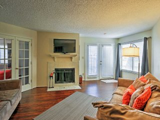 Contemporary 2BR Arlington Condo w/Wifi, Fireplace & Private Patio - Unbeatable Location Near AT&T Stadium, Six Flags & More!