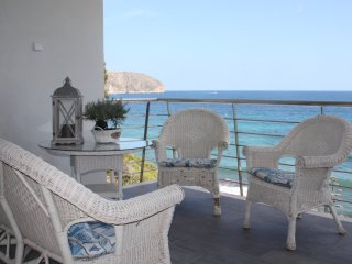 Moraira: sea front, newly reformed, high standard