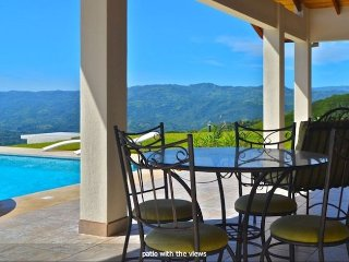 New 3 BR 3 BA Villa with the Best Views in Atenas