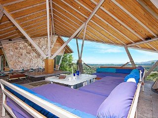 Ultra modern pool villa with sea views