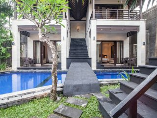 6 bedrooms villa located in heart of seminyak, Seminyak