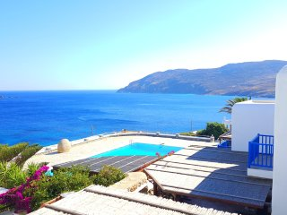 Beach Villa Gioia  with walking distance to the be, Kalo Livadi