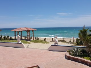 Casa Evita 4 bed, beachfront , WiFi.