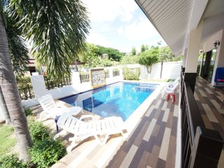 Beautiful Luxury Pool Villa in Araya soi 102, Hua Hin