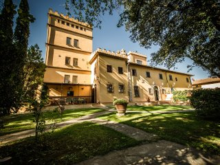 4 bedroom Villa in Empoli, Florentine Hills, Arno Valley, Italy : ref 2135304