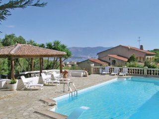 5 bedroom Apartment in La Seyne Sur Mer, Var, France : ref 2184327, La Seyne-sur-Mer