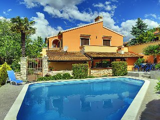 5 bedroom Villa in Pula Muntic, Istria, Croatia : ref 2215161