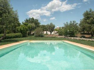 Trullo Pere Rosse, Classic Collection, with private pool in Puglia | Raro Villas, Ceglie Messapica