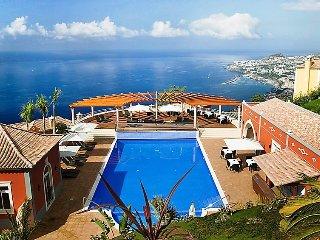 Village 1 bed sea view