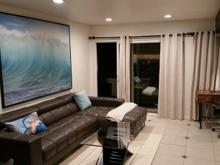 Furnished 3-Bedroom Apartment at Canal St & Fern St Newport Beach