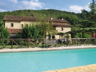 7 bedroom Villa in Monte S.Maria Tiberina, Perugia And Surroundings, Italy : ref 2279859, Monte Santa Maria Tiberina