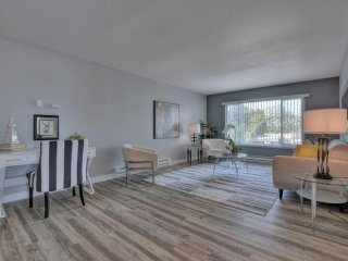 Furnished 1-Bedroom Apartment at Jeter St & Katherine Ave Redwood City