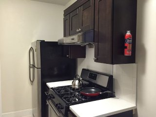 Furnished 1-Bedroom Townhouse at 34th Ave & 84th St Queens, New York City