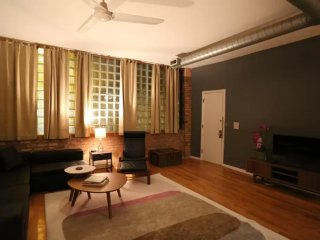 Furnished 2-Bedroom Loft at W Thomas St & N Winchester Ave Chicago