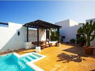 Villa in Teguise (Lanzarote), Lanzarote, Famara, Canary Islands, Guatiza