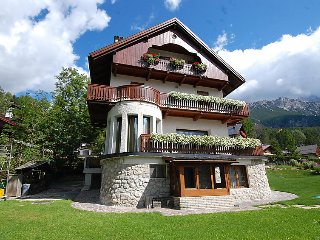 4 bedroom Apartment in Cortina d Ampezzo, Dolomites, Italy : ref 2284767