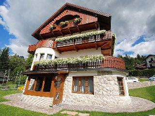 4 bedroom Apartment in Cortina d'Ampezzo, Veneto, Italy : ref 5029089