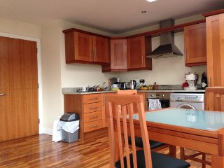 Close to Trinity College Dublin, own bathroom