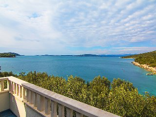 7 bedroom Villa in Solta Maslinica, Central Dalmatia Islands, Croatia : ref 2285541
