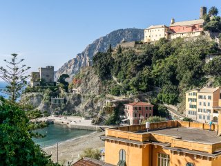 Breakfast&Parking MONTEROSSO VILLA SERVANO SEA VIEW