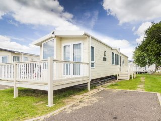 Ref  17033 at Naize Marine, Stunning lodge 6 berth close to pool complex.