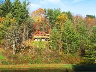 Cool Mtn Breezes, Pond Access, Bubbling Hot Tub & Colorful Fall Mtn Views!, Grassy Creek
