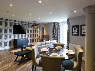 The Burford Suite - The Old Gaol Service Apartment, Abingdon