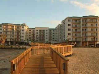 $950/wk Holiday Inn Galveston Beach Resort (August 17-24th 2018)