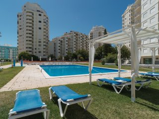 Rosin Red Apartment, Armacao de Pera, Algarve