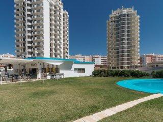 Shea White Apartment, Armaçao de Pera, Algarve, Armação de Pêra