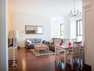 Luxury three bedroom apartment next to La Rambla