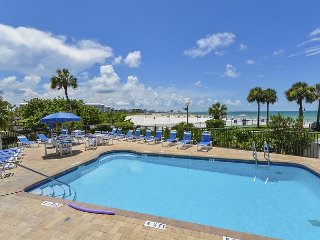 Resort Apartment on St. Pete Beach – Steps to the Beach, Shopping & Dining