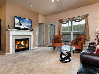 Stream & Mountain Views + Great Amenities, 4.6 Miles from Park City Resort
