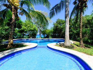 VILLA LAS VENTANAS - 5 BR (10 Beds) for 15 guests