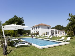 Aix en Provence, Luxury stone-built BASTIDE, Air Conditioning, heated pool