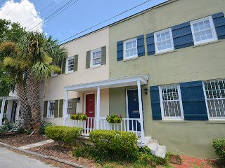 Perry Place-A Pet Friendly Vacation Home! SVR00545, Savannah