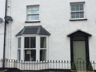 Period townhouse in centre