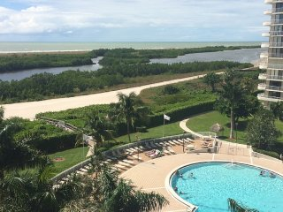 Stunning Beachfront Condo in Gated Community, Marco Island