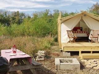 Glamping St. Louis - Paddler's Rest