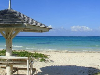 Villa by the Sea - Jamaica's Finest in Duncan, Duncans