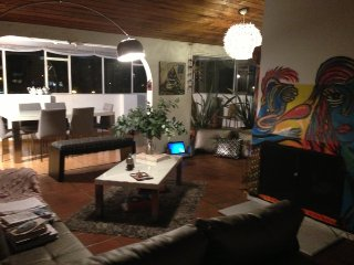 Amplio estudio de la calle 100, Bogota