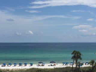 Beachfront condo in Fort Walton, Florida Sleeps 6, Fort Walton Beach