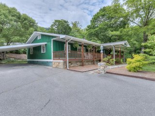 Paved Roads, Driveway with Level Parking and Carport