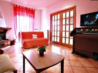 Julia Domus  apartment in Porta Maggiore with WiFi, air conditioning, balcony &