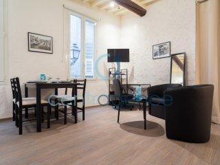 Centrale -Studio avec Mezzanine - Vieux Nice