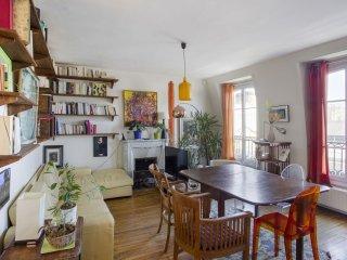 Family Duplex Marais apartment in 03ème - Temple - Le Marais with WiFi, balkon, Paris