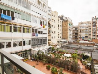 La Modernista apartment in Eixample Dreta with WiFi, airconditioning (warm