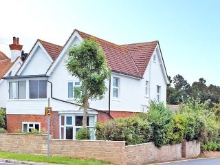ST DAVIDS, detached, conservatory, off road parking, garden, in Yarmouth, Ref 915613