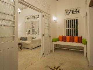 CozyNest-a luxury villa, 10min walk to Gale Fort, Galle