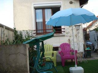 MAISON AVEC JARDIN EN ENTIER avec piscine enfants, Carrieres-sur-Seine